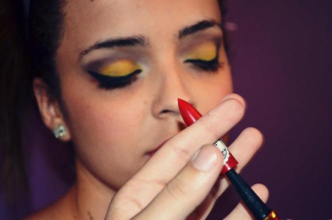 Maquiando a Daiane