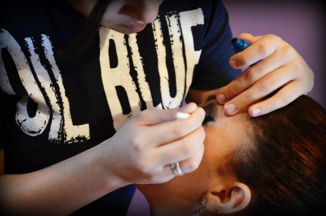 Maquiando a Suellen