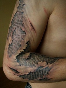 Awesome-photo-realistic-tattoos131-226x300